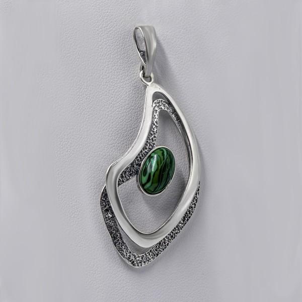 Zawieszka srebrna z zielonym kamieniem